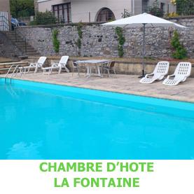 A Espalion, la chambre d'Hôte La Fontaine possède une piscine, où les pèlerins du Saint Jacques de Compostelle pourront se détendre