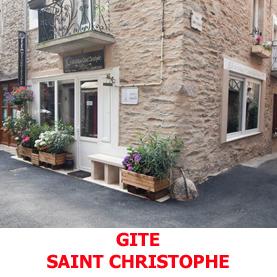 Au coeur du village d'Estaing, le gite d'étape Saint Christophe accuilles les pèlerins du Saint Jacques de Compostelle, à la nuitée en chambre de 2, 3 ou 4 personnes
