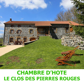 Accèssible depuis le lac de l'oeuf, la chambre d'hôte le clos des Pierres Rouges, non loin de Saint Privat d'Allier, accueille les pèlerins en route sur le chemin de Saint Jacques de Compostelle.