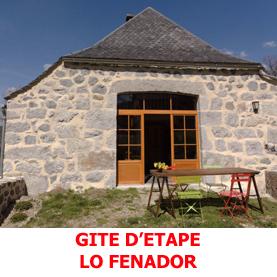 Le gite d'étape Lo Fenador à Nasbinals accueille les pèlerins du Saint Jacques de Compostelle en dortoir de 6 places et de 4 places ainsi qu'une cuisine équipée. Il est situé à 200 mètres du centre de Nasbinals.