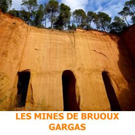 Situé dans le parc naturel régional du Muberon, les mines de Broux possèdent un réseau de 40 kilomètres sous terre. Une petite parite se visite pour un étonnant voyage dans l'épopée des ocres de Porvence.